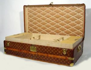 Vintage luggage - mylusciouslife.com - Louis Vuitton Footlocker2 from 1930.jpg